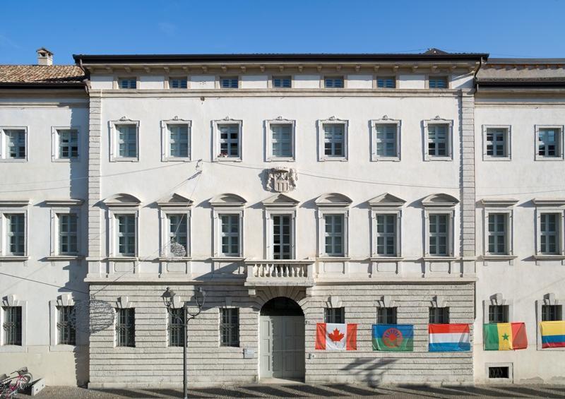 Palazzo Alberti Poja