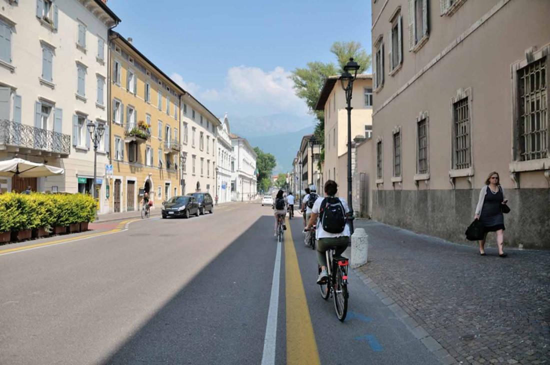 In bici - come muoversi-Mezzi pubblici