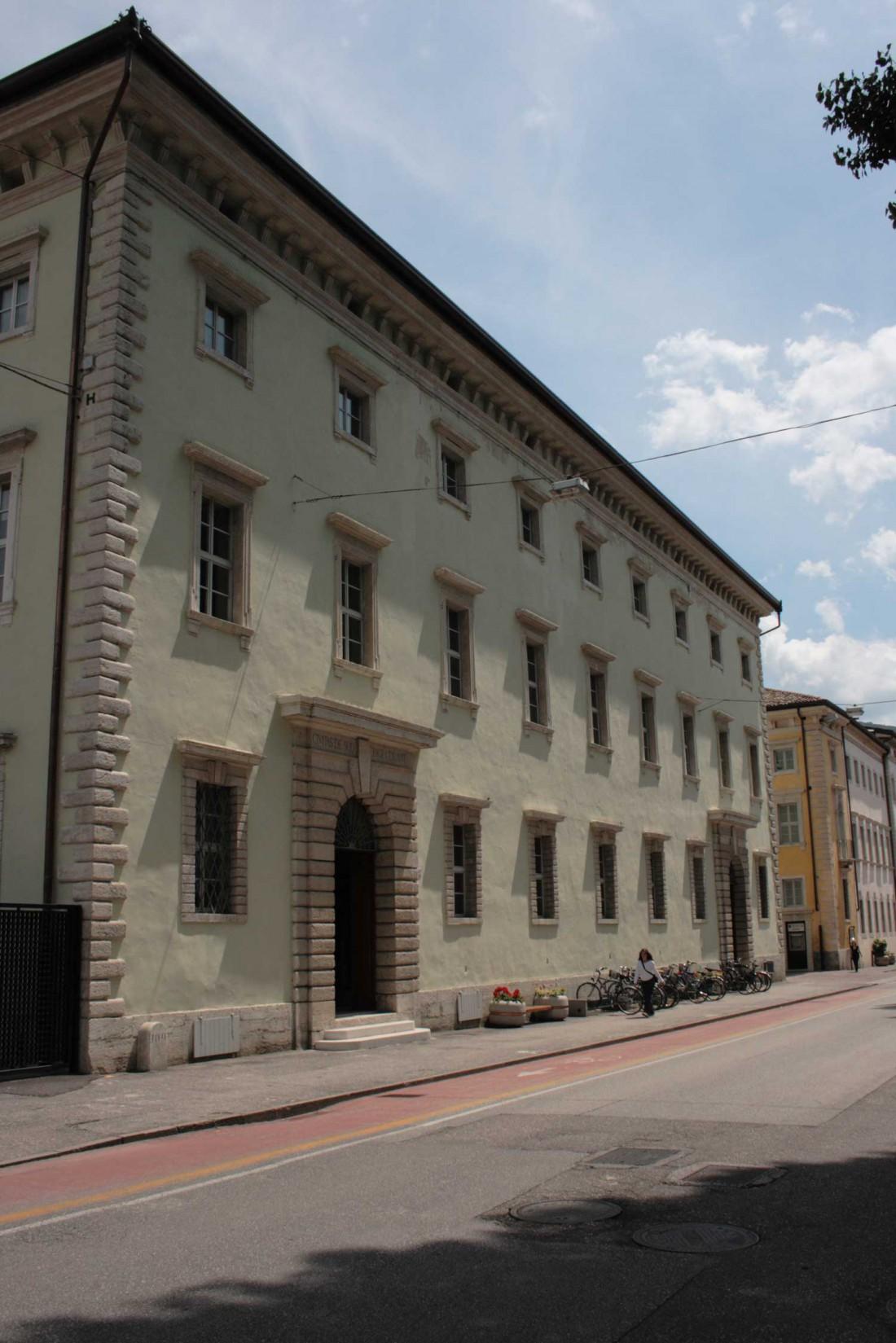Palazzo-Annona-05-visitrovereto