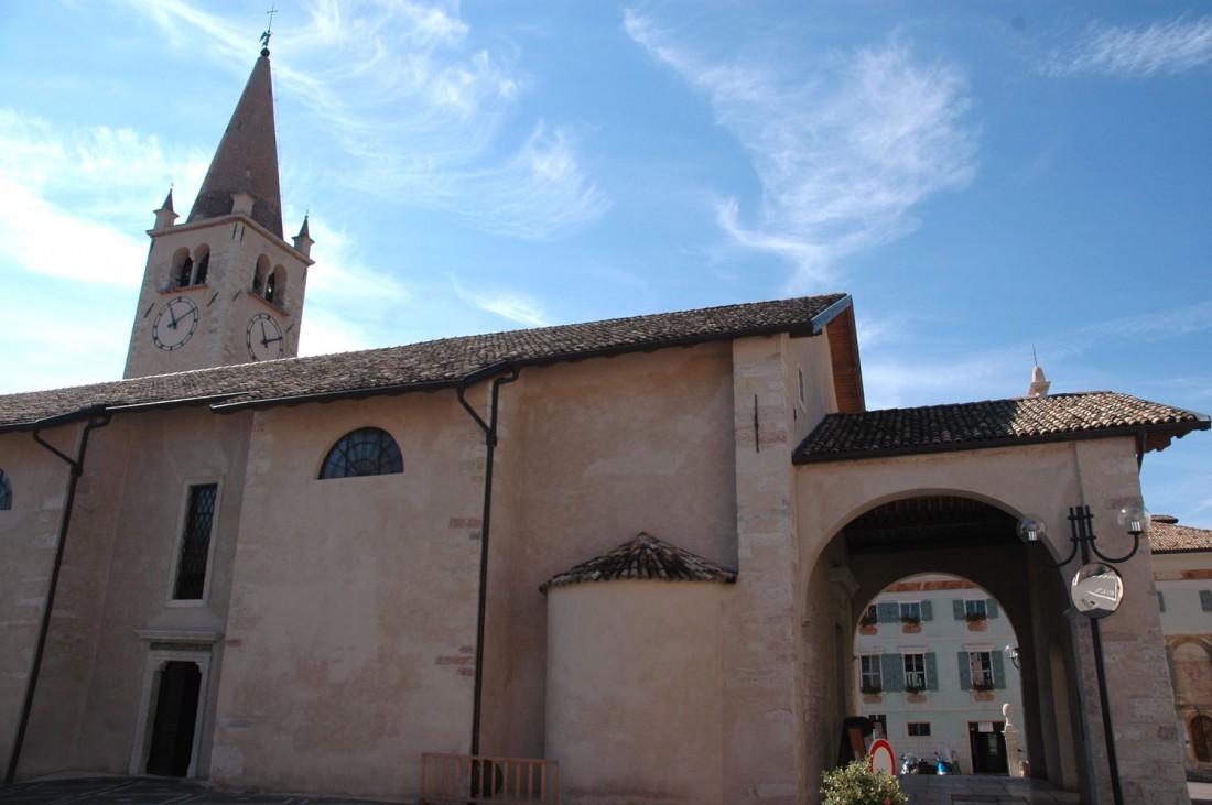 Chiesa-S.-Pietro-e-Paolo-Brentonico-DI-visitrovereto