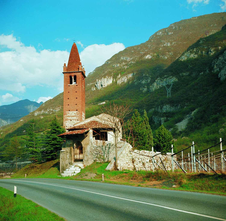Chiesa San Pieto-Chiesa Romanica