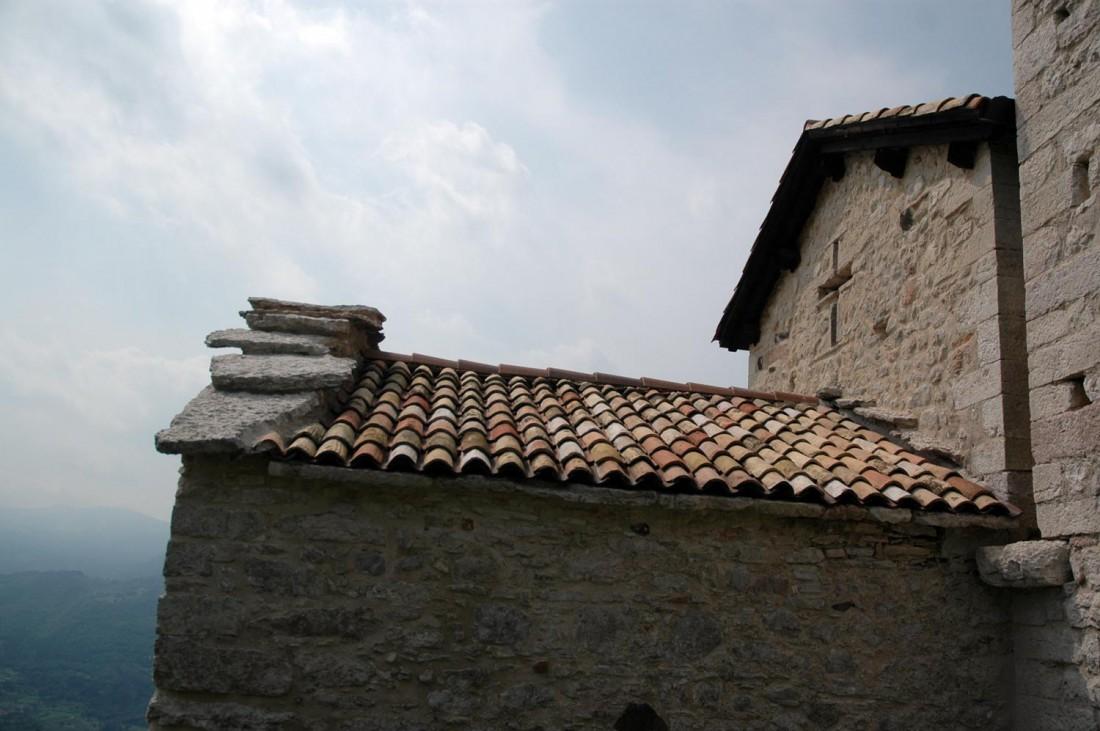 Esterno-Chiesa-S-Agata-Corniano-DI-visitrovereto