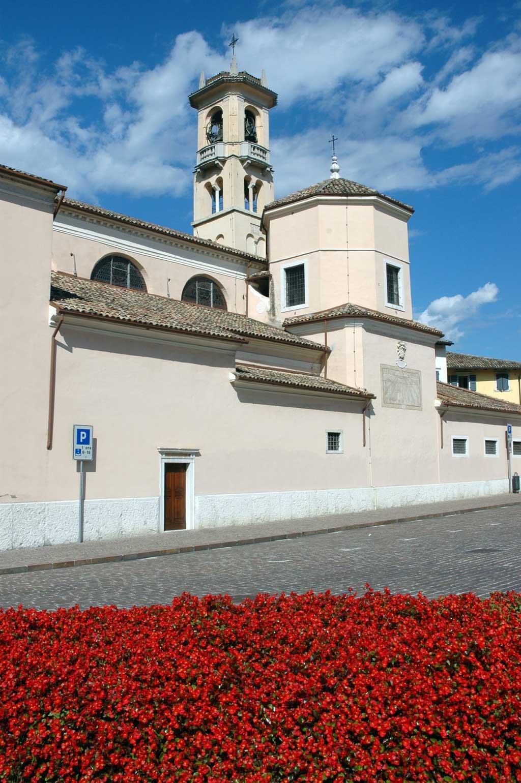 Esterno-Chiese-S.Giovanni-Borgo-Sacco-DI-visitrovereto