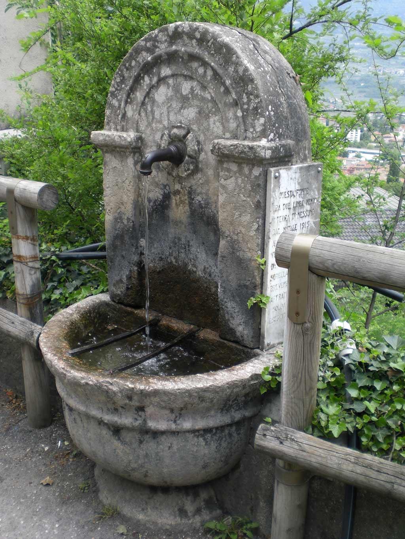 Fontana-Santuario-Madonna-del-Monte-Rovereto-visitrovereto