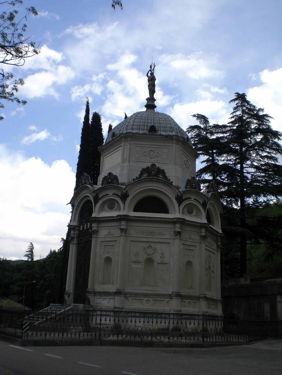 Mausoleo-De-Tacchi-Santuario-Madonna-del-Monte-Rovereto-visitrovereto