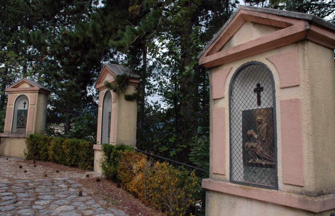 Moscheri-Via-crucis-capitelli-Moscheri-DI-visitrovereto
