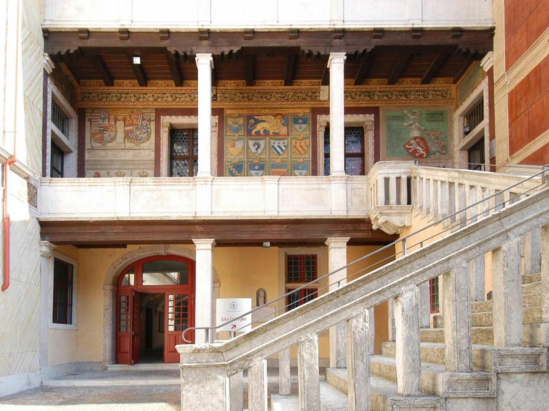 Palazzo-Pretorio-03-visitrovereto