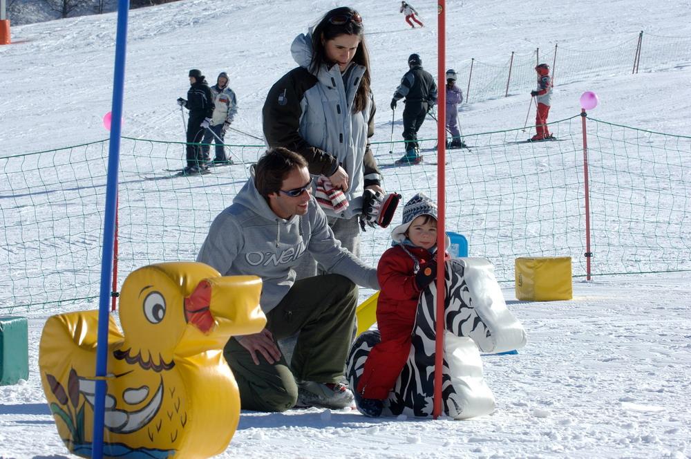 Parco Giochi sulla neve-Al Mart con mamma e papà