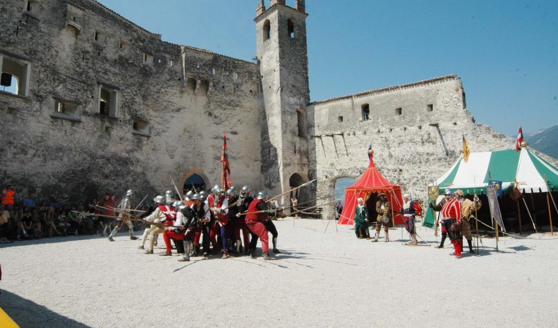 All'armi, all'armi a Castel Beseno