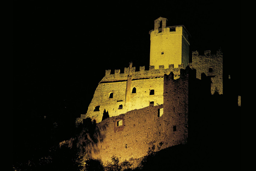 castello avio