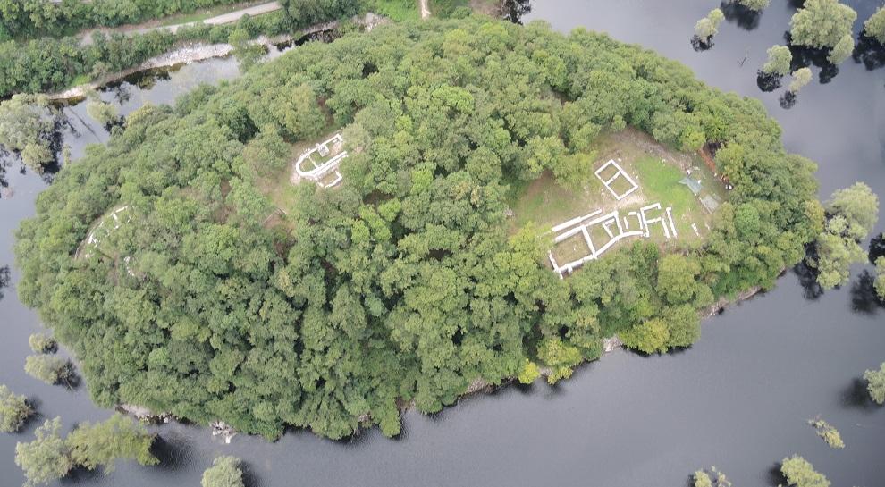 Area archeologica-Isola di sant'andrea-Lago di Loppio