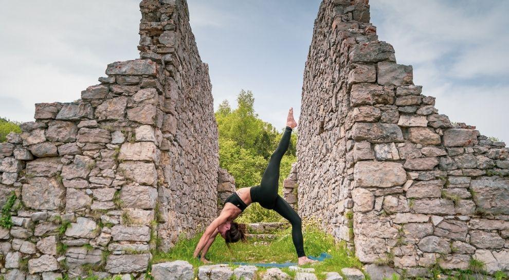 yoga all'alba in montagna - Monte Zugna - Foto di Graziano Galvagni (3)