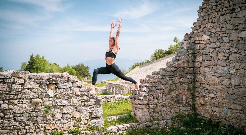 yoga all'alba in montagna - Monte Zugna - Foto di Graziano Galvagni (5)